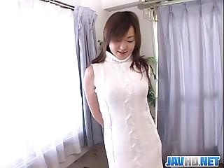 Pretty Japanese milf finger fucking 23 min